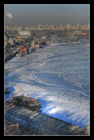 The frozen Dnipr in HDR